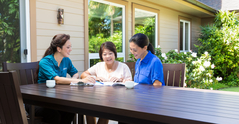 Oahu Home Care Caregiver Meeting With Family Consultation